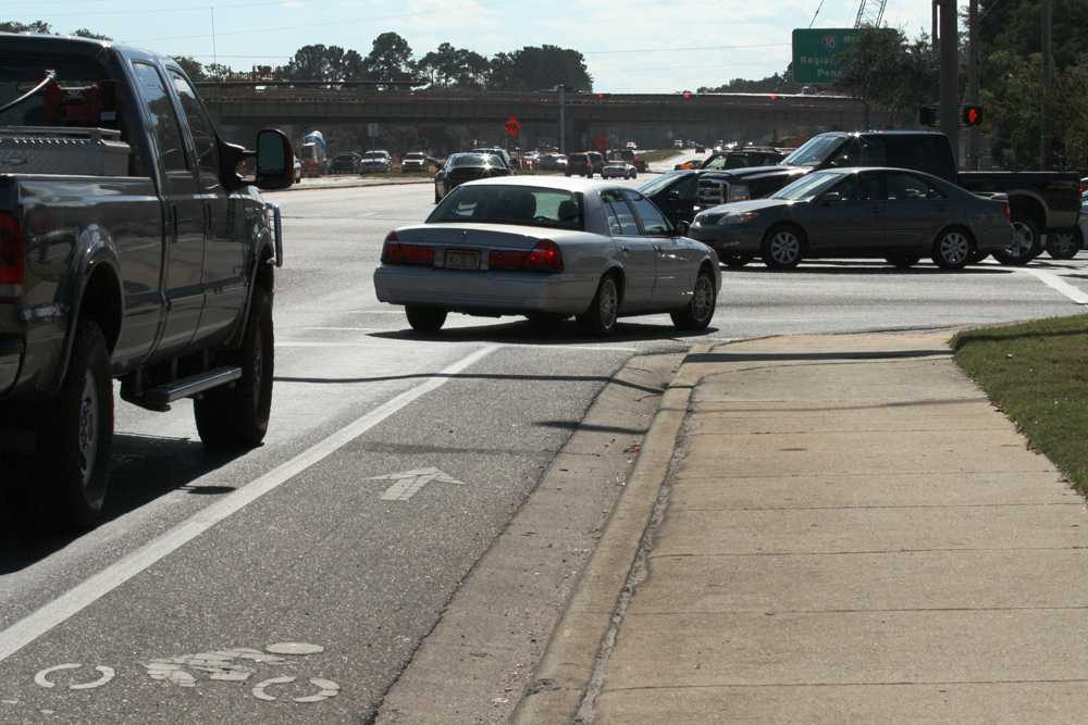 Bike Lane Striped Solid at Intersection in Florida